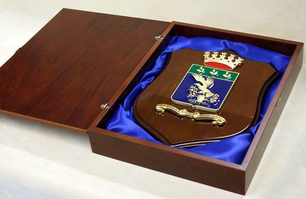 scatola crest in legno