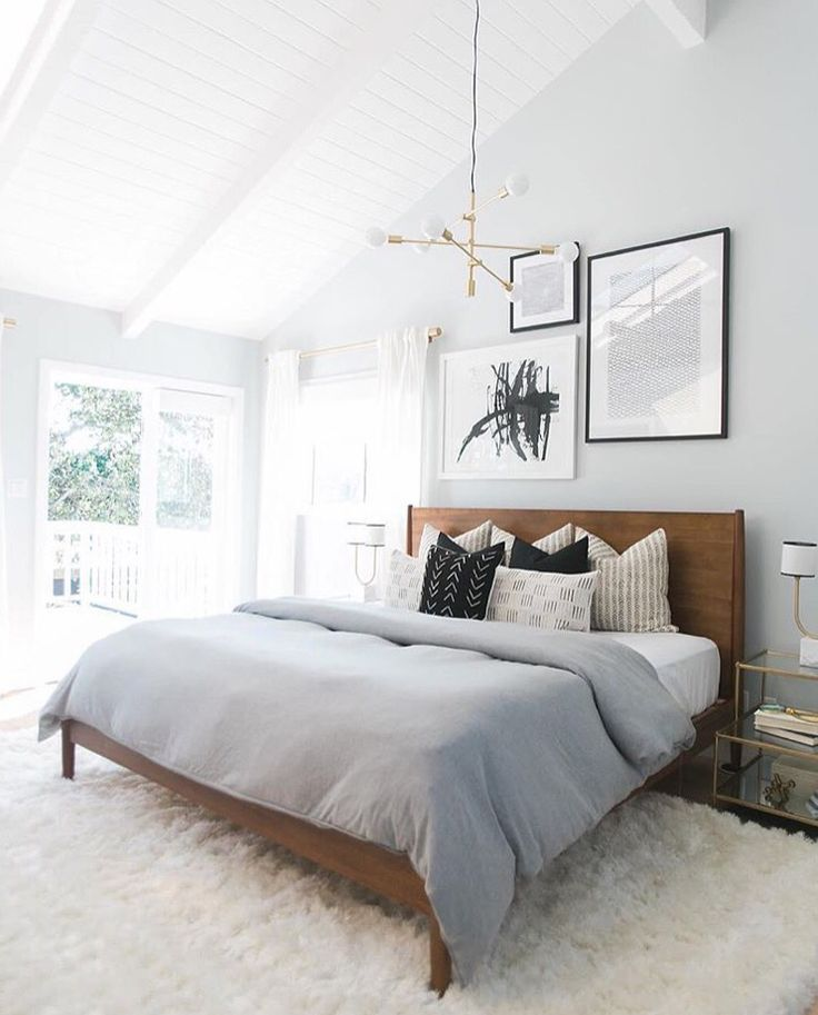 Bedroom Lighting Ideas: Fall in love with this bedroom lighting that features amazing mid-century lamps | www.lightingstores.eu