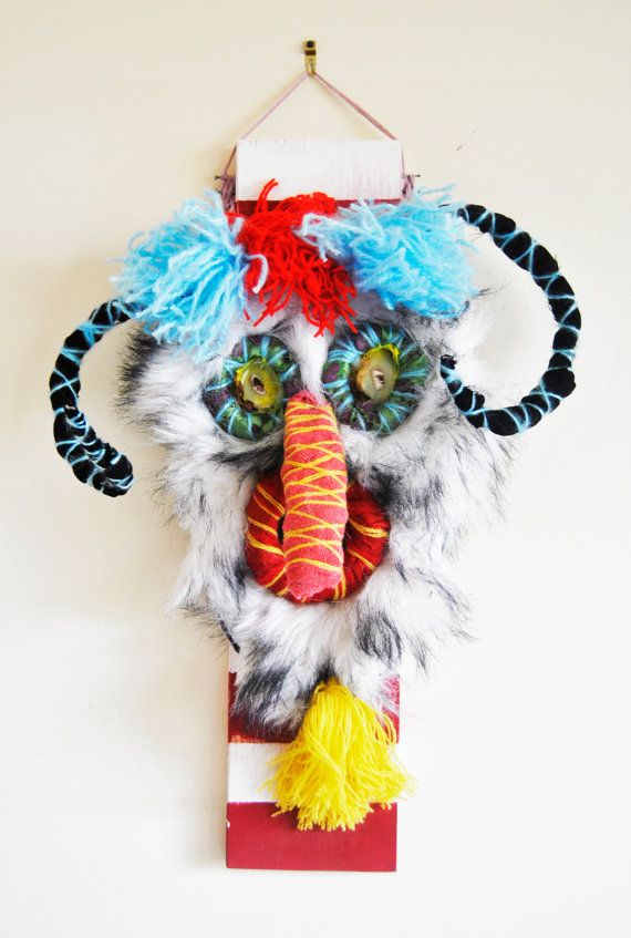 Upper TRANSYLVANIAN TRADITIONAL mask / Chasing away the mean spirits / Romanian Dreamcatcher / Paper Mache, fur wall decoration / Folk Art