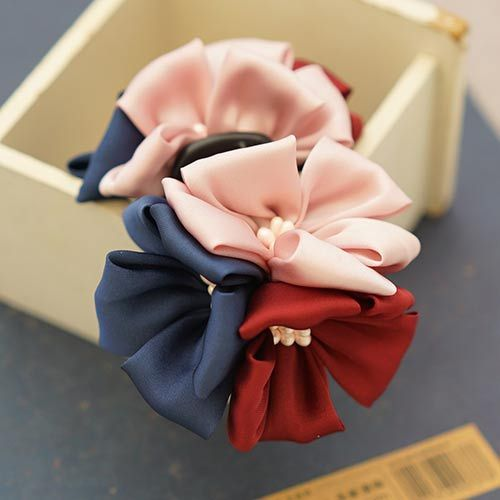 Imitated Silk Fabric Three Color Flowers with Stamen Pistil Hair Claw for Women