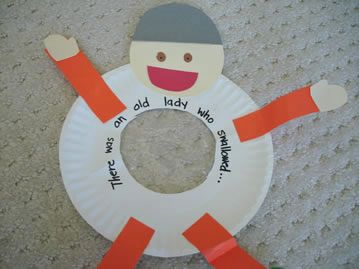 Old lady/man who swallowed letters - Wonderful! I'm going to use this along with the book and the Old Lady...printable!