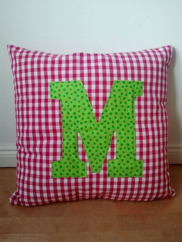 Selfmade Initial Pillow #pillow #diy #sewing #initial #fabric