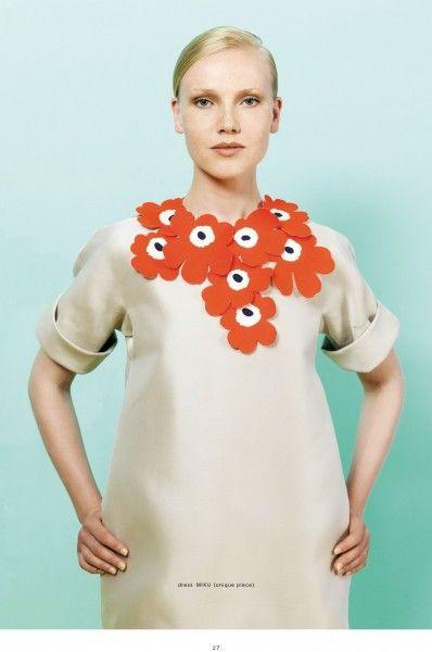 Love that flower collar