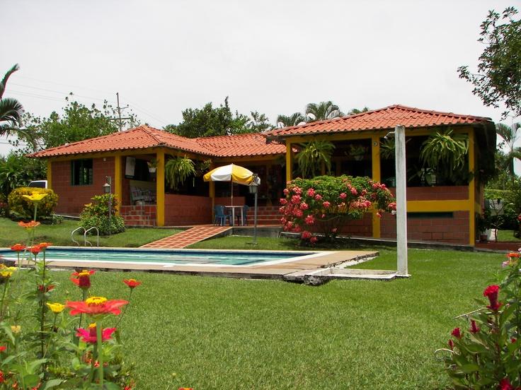 1000 images about fincas en sant gueda caldas colombia for Modelos de piscinas en fincas