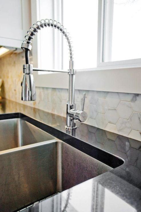 hexagon marble tiles backsplash