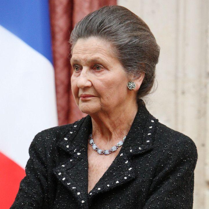 Simone Veil : biographie, photos, videos, de Simone Veil. Actu et commentaires sur Simone Veil. Suivez toute l'actualité de Simone Veil.