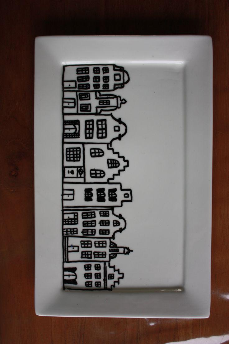 Bordje versierd met porceleinstift