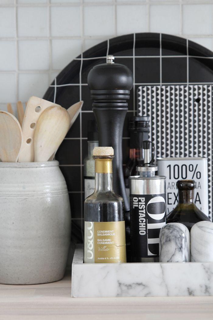 black & white kitchen styling