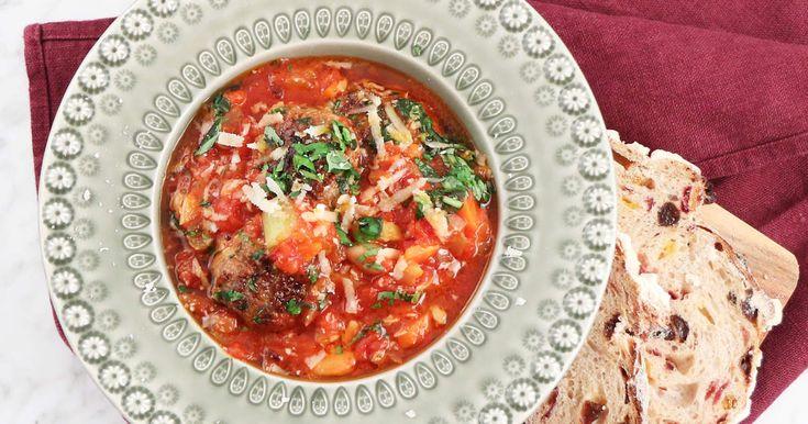 Recept på lättlagad mat från matprogram och kokböcker.Allt från LCHF till scones, muffins, kladdkaka, pannkaka, festmat och snabba middagstips.