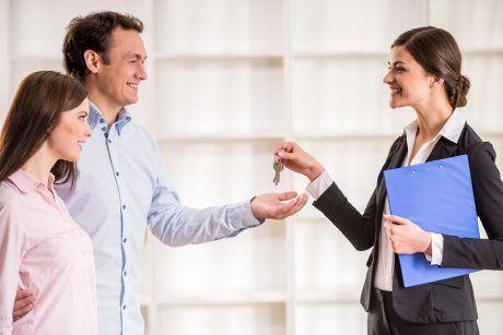 http://soumissionscourtiers.ca/conseils/comparer-agences-immobilieres/ Comparez les agences immobilières - Remax vs Royal lepage vs Via Capitale vs Sotheby's vs Sutton