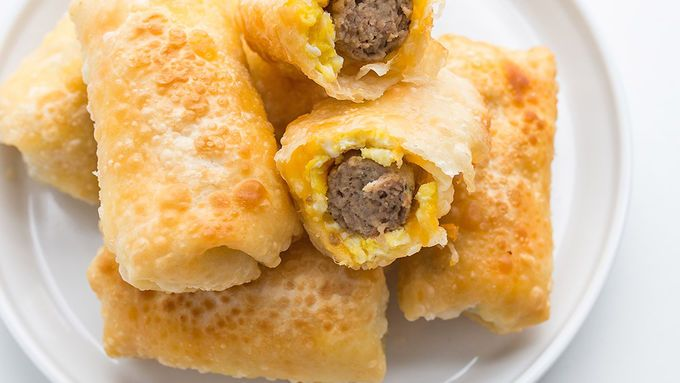Who needs breakfast burritos? With this easy takeout-inspired twist, now you can enjoy breakfast the way it was always meant to be eaten: in an eggroll.