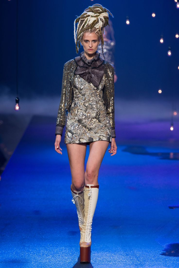 No one blinked at the marc jacobs fashion show when a model wore a - Marc Jacobs New York Spring Summer 2017 Ready To Wear Marc Jacobsfashion Showfashion