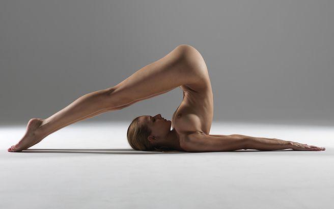 фото йоги голая девушка