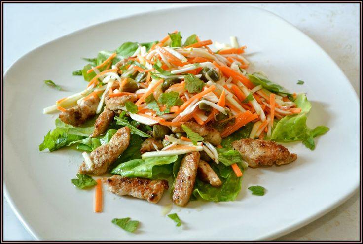 ŐRÜLTEN JÓ ÉTELEK : Harmadik hét: saláták hússal