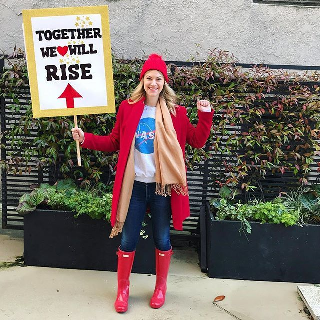 A little Seattle rain ☔️ won't stop this girl from marching! Who else is marching today??  #womensmarch2018 #womensmarchseattle #resist #whitwanderz #whatwouldRGBdo #timesup #metoo #scienceisimportant #theresistance