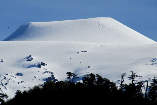 Insider's guide to volcano skiing in Chile: Choshuenco volcano. Photo by mireyapeters