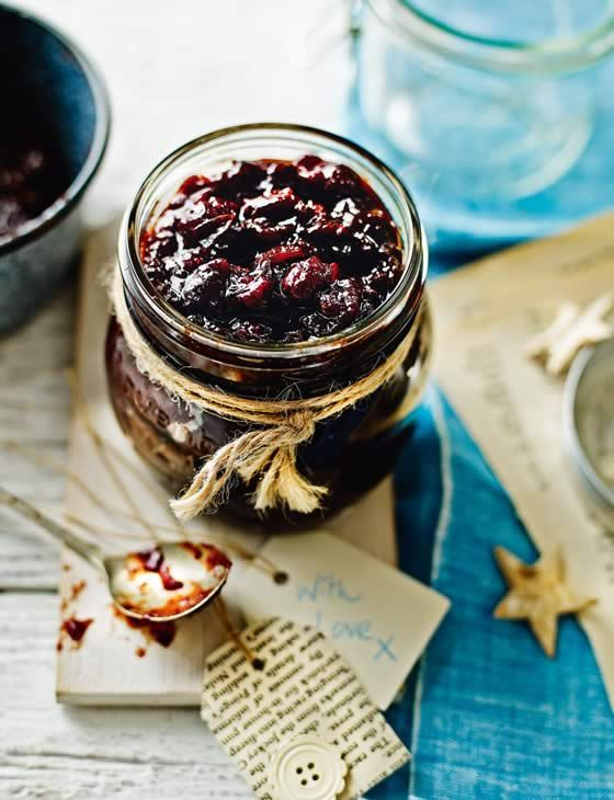 This mulled cranberry and red onion chutney makes a beautiful gift for someone this Christmas