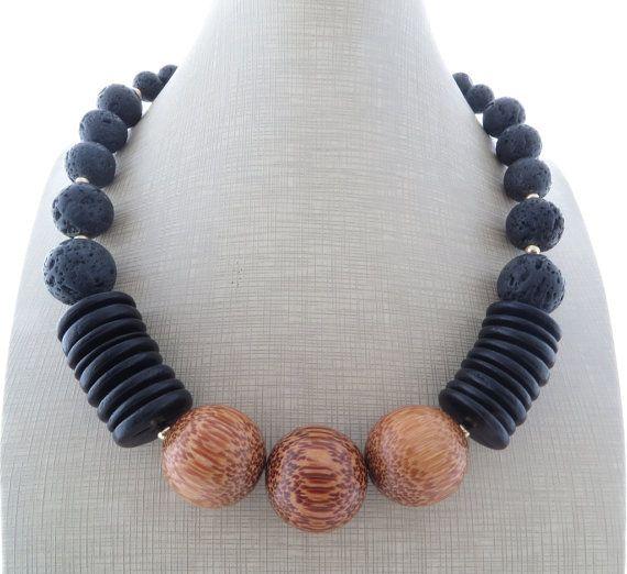 Statement necklace black lava necklace chunky di Sofiasbijoux