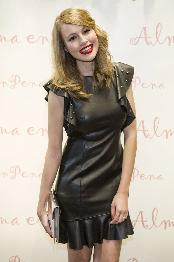 Esmeralda Moya attends Alma en pena store opening, Madrid, Spain 30.03.2017 leather dress