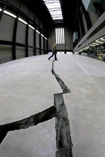Doris Salcedo at Tate Modern