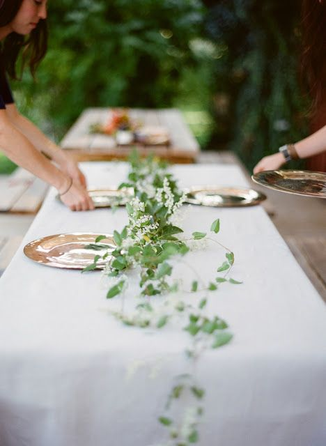 62 best images about table garland on pinterest runners for Table and vine