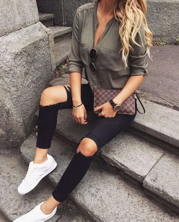 #fall #fashion ·  Army Shirt // Destroyed Jeans // White Sneaker
