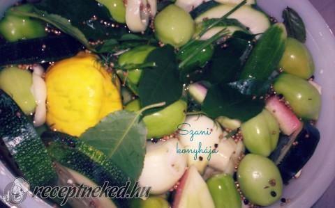 8 napos, dobálós, vödrös savanyúság recept fotóval