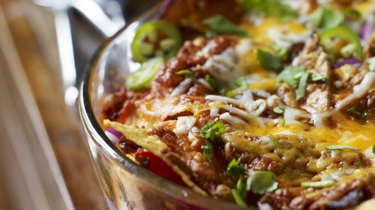 Der italienische Klassiker mal anders: Mexikanische Lasagne | http://eatsmarter.de/rezepte/lasagne-auf-mexikanische-art
