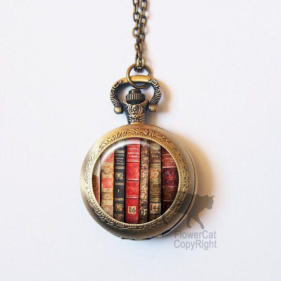 Hoi! Ik heb een geweldige listing op Etsy gevonden: https://www.etsy.com/nl/listing/244334489/vintage-boek-pocket-watch-ketting-boek