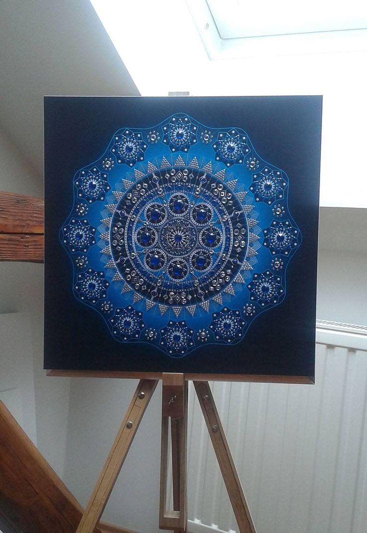 Mandala Blue Star /Size 66x66 cm / 1481 rhinestones / Artist: Gordana Grahovar