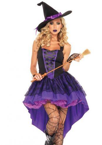 Een heks kostuum voor carnaval en halloween. Dit 2-delige Broomstick Babe heks kostuum, bestaat uit de gelaagde jurk met kanten accenten en de hoed met paarse lint. Dit mooie heks kostuum is een productie van Leg Avenue.