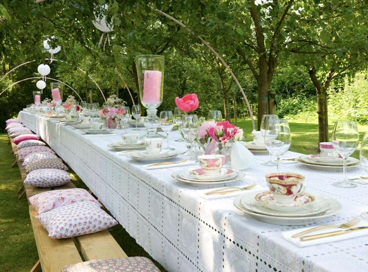 Meer dan 1000 idee u00ebn over Buiten Bruiloft Eten op Pinterest   Achtertuin Bruiloft Voedsel
