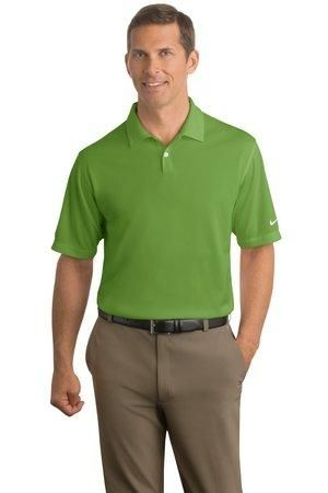 Designed to keep you comfortably dry this mens dri-fit pebble texture golf polo shirt by Nike also provides high-performance moisture wicking technology