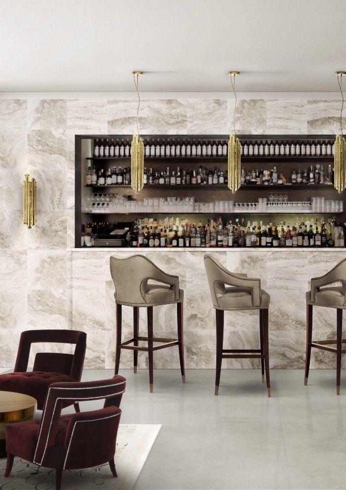 fantastische bar innenarchitektur mit einer neutralen farbpalette mit eleganten bar sthlen saki pendelleuchten und saki wandleuchten aus messing - Luxus Hausrenovierung Perfektes Wohnzimmer Stuhle Design