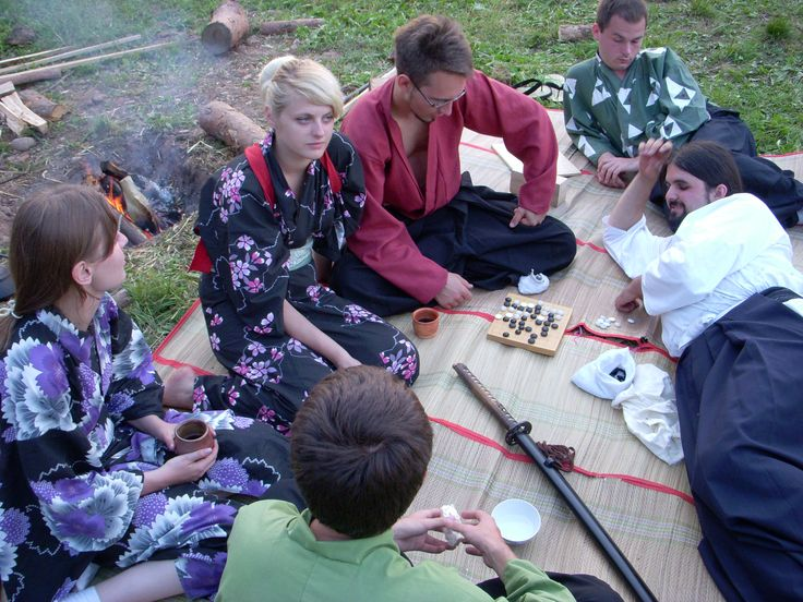 Playing GO in a Japanese camp