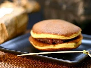 What Is Dorayaki Is A Type Of Japanese Sweet Cake Consisting Of Two Round Shape This Type Of Bread Ised Kasutera