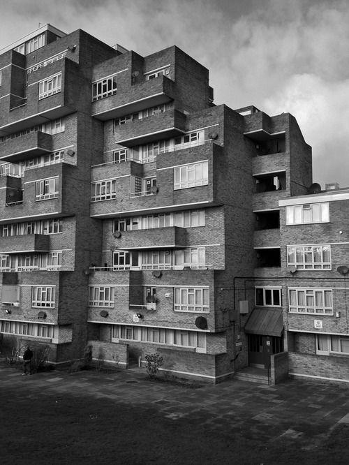 Les 1300 meilleures images du tableau arquitectura 1 sur - Lincroyable maison book tower londres ...