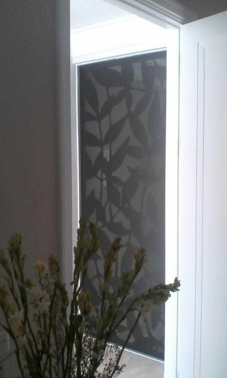 Proyek Hunian Kemang,  Pengaplikasian Laser cutting dengan material besi finishing duco pada Jendela
