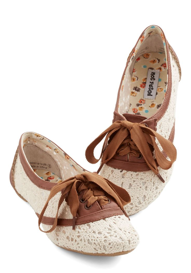 Brown and lace flats - I have a thing for lace shoes....