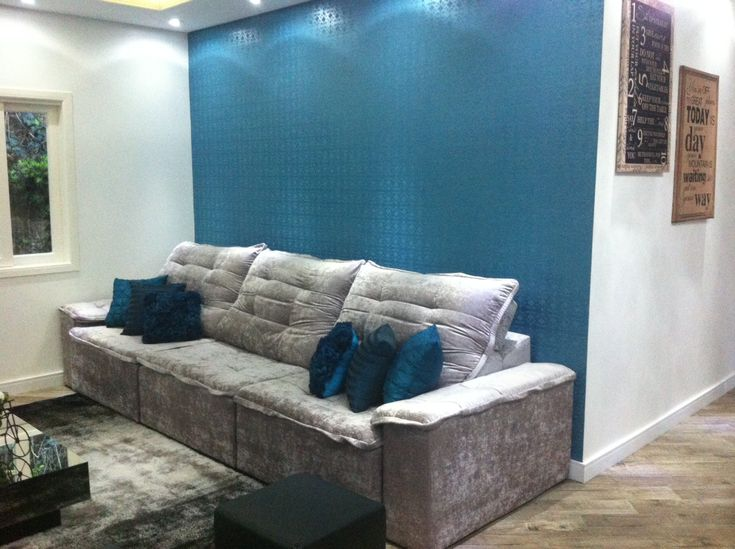 Objetos decorativos azul turquesa na sala pesquisa - Sofa azul turquesa ...