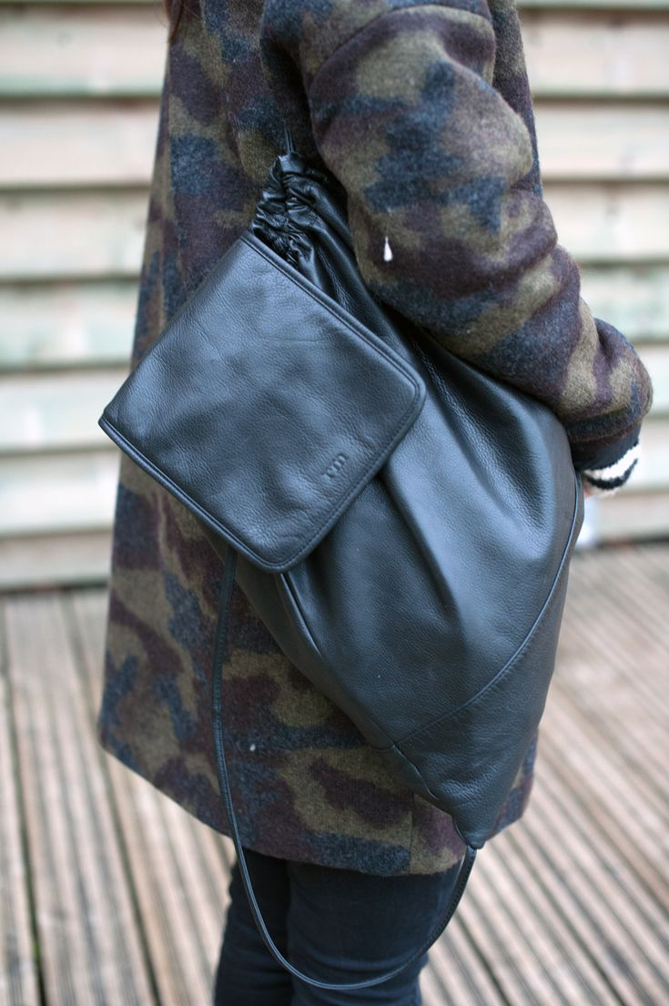 Geraldine alias Punky B  porte notre sac à dos en cuir #emile green #rockmafia winter 15/16