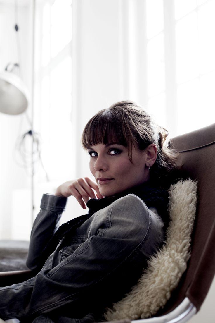 Angela Schijf #dutch #actress