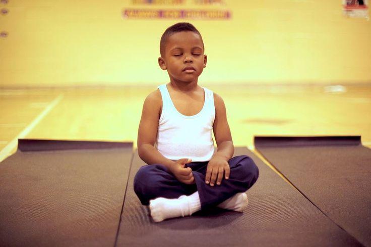 L'attention, ça marche ! Aux Pays-Bas, son pays d'origine, Eline Snel est célèbre depuis qu'elle a réussi à convaincre son gouvernement d'enseigner la méditation à l'école...