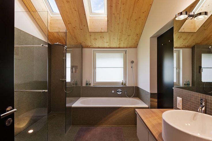 Casas de banho modernas por Giesser Architektur + Planung