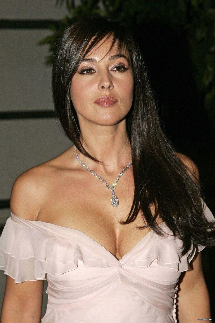Italian sexy actresses — pic 10