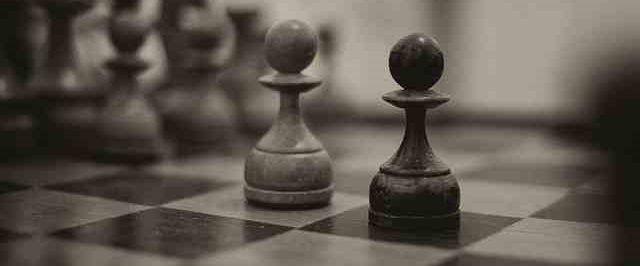 Czy obecność klauzuli mediacyjnej w umowie może stronom zaszkodzić?