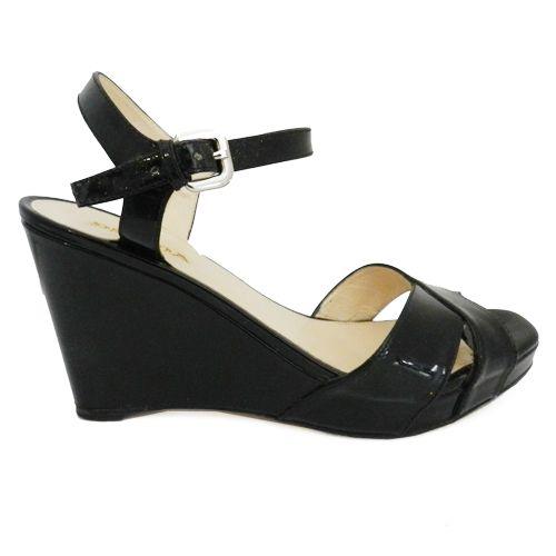 ¡Imprescindibles! Sandalias Prada Vernice en Look and Stop #Sandalias #Prada #sales