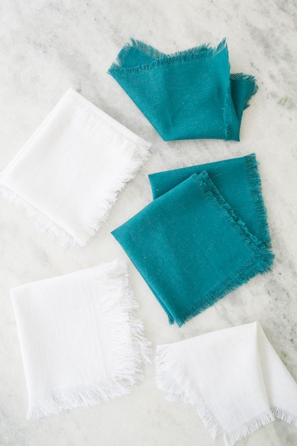 DIY Fringe Linen Napkins // Sugar and Charm // Projects // Entertaining DIY