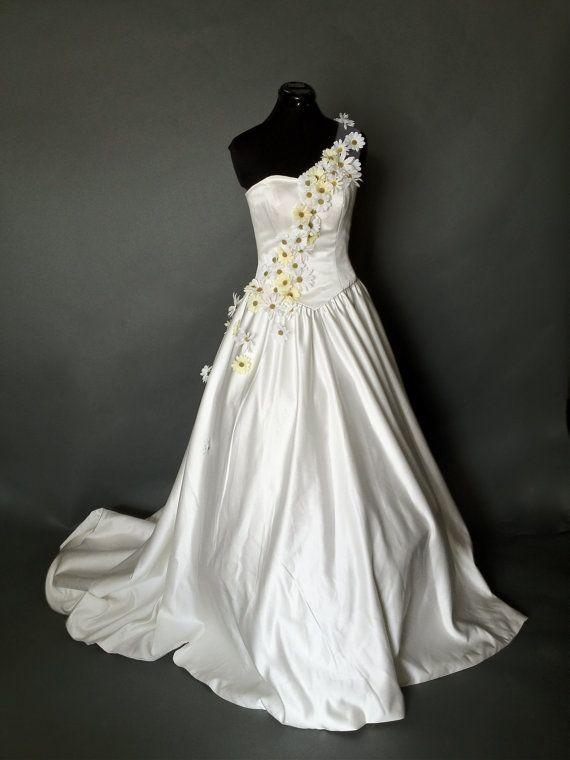 Daisy Strap Wedding Gown 575