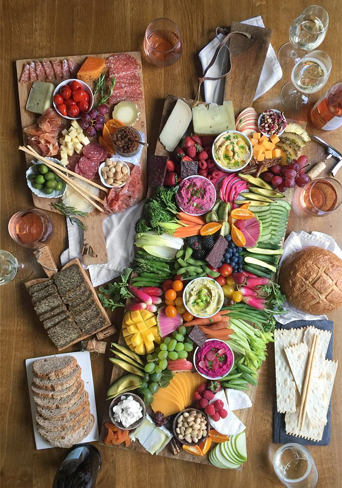 crudite hummus dip party board